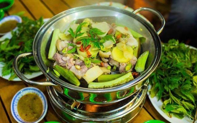 Lẩu cùng những món ăn kèm ở Hoàng Tử Quán