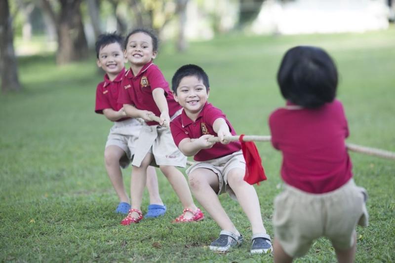 Hoạt động ngoại khóa được tổ chức liên tục cho các em học sinh