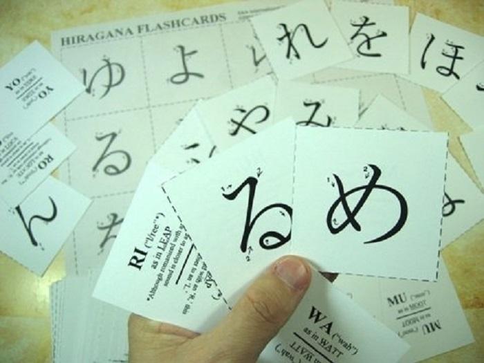 Học bằng cách viết và ghi chú từ vựng