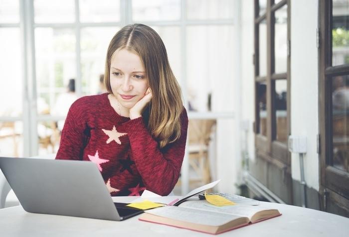 Xem bài giảng online - một trong những phương pháp khá hữu ích