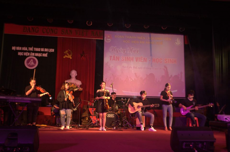 Buổi biểu diễn của sinh viên Học viện Âm nhạc Huế