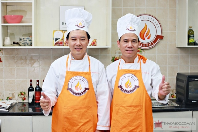 Hai trong số đội ngũ giảng viên giàu kinh nghiệm tại Học viện ẩm thực Hà Nội