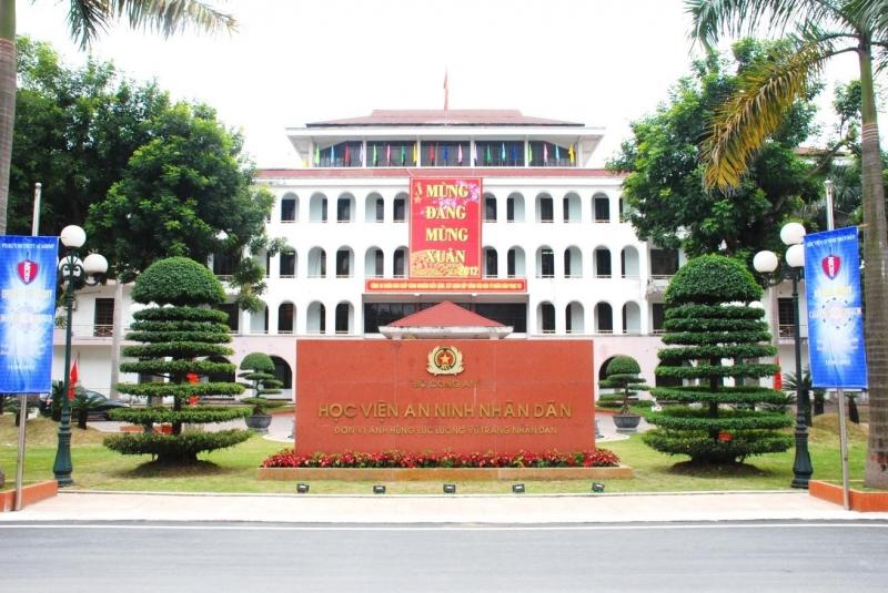 Cổng trường Học viện An ninh nhân dân