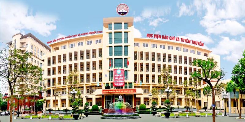 Học viện Báo chí & Tuyên truyền là một trong những ngôi trường có khuôn viên đẹp, môi trường đào tạo toàn diện, năng động