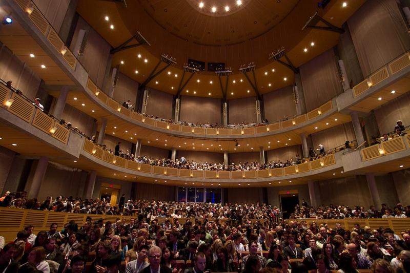 Chan center - Trung tâm biểu diễn nghệ thuật nổi tiếng của trường