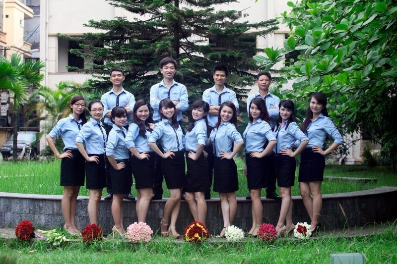 Sinh viên Ngoại Giao duyên dáng trong đồng phục trường.
