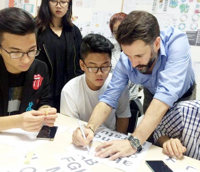 Giảng viên của Học viện Thiết kế và Thời trang London Hà Nội bao gồm những chuyên gia hàng đầu về thiết kế