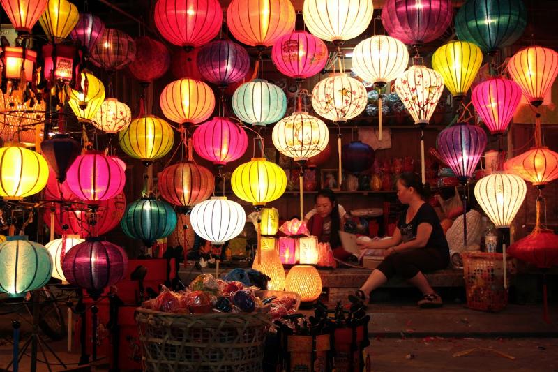 Con đường đèn lồng dài nhất Việt Nam ở Hội An