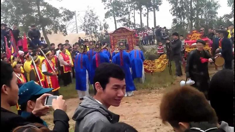 Lễ rước đám Rậm của hội làng Thụy Hà