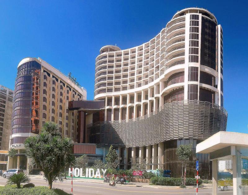 Holiday Beach Danang Hotel & Resort
