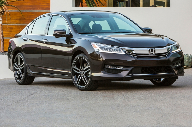 Honda Accord có sự sụt giảm nhẹ doanh số nhưng vẫn nằm trong top 10