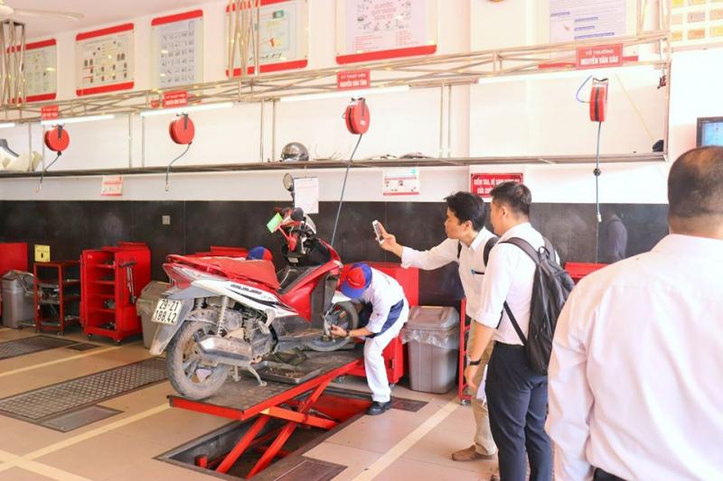 Honda Nhung Hồng