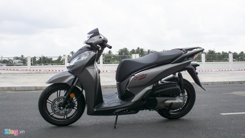 Honda SH 300i – Giá: 270 triệu đồng