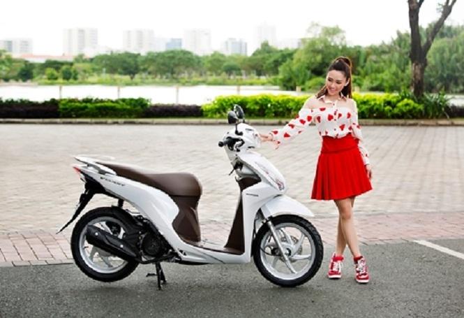 Honda Vision là dòng xe tay ga rất hợp với chị em có chiều cao khiêm tốn