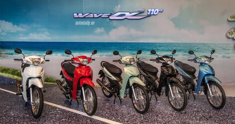 Bên cạnh những màu sắc quen thuộc bao gồm: Đỏ, Xanh, Đen và Trắng, Honda Việt Nam nay bổ sung thêm màu Xanh Ngọc trẻ trung nổi bật làm đa dạng hơn