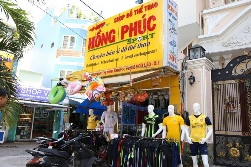 Một trong hai cửa hàng ở TP.HCM của Hồng Phúc Sport (Nguồn: Sưu tầm)