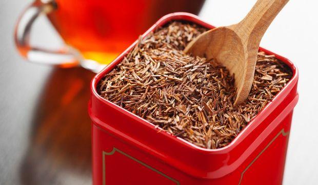 Thành phần chính trong hồng trà Showa Seiyaku là trà đỏ Rooibos có nguồn gốc từ Nam Phi