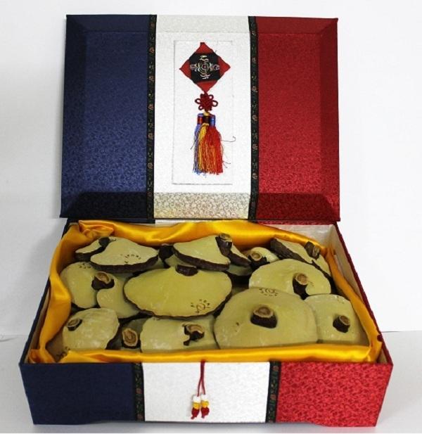 Hộp quà tặng nấm linh chi Hàn Quốc