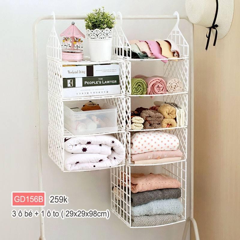 Tủ chứa đồ có nhiều ngăn, diện tích khá rộng, có thể chứa rất nhiều đồ nhiều size khác nhau.