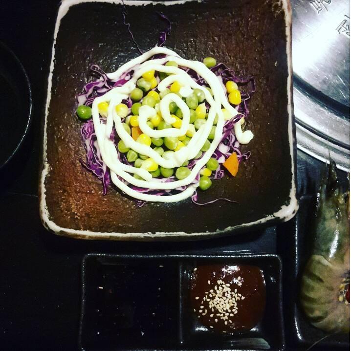 Salad được trình bày đẹp mắt