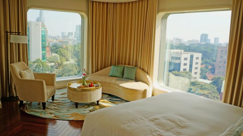 View từ phòng ngủ của khách sạn rất đẹp và sang chảnh