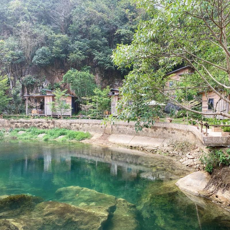 House By Lake - Moc Chau
