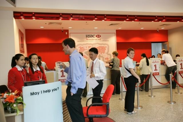 HSBC  được biết đến là một trong những tổ chức dịch vụ tài chính và ngân hàng lớn nhất thế giới