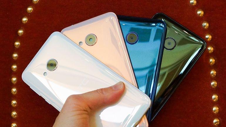 HTC U Play - Mặt sau sang trọng