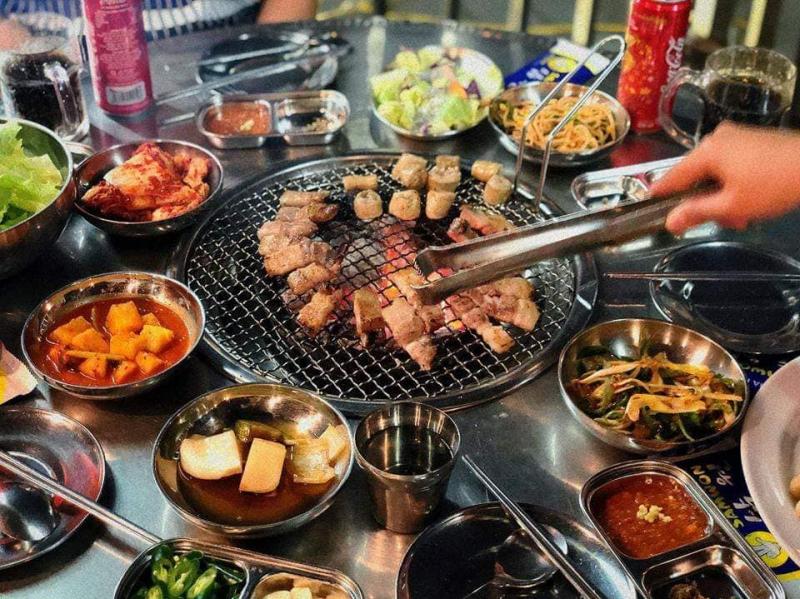 Nhà Hàng Samwon với nhiều món ăn ngon
