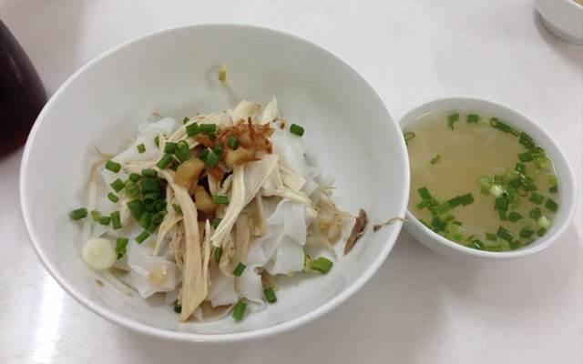 Hủ tiếu Nam Lợi cũng đã có hơn tuổi đời hơn 60 năm, là một quán hủ tiếu mì gốc Hoa lâu năm ở Sài Gòn