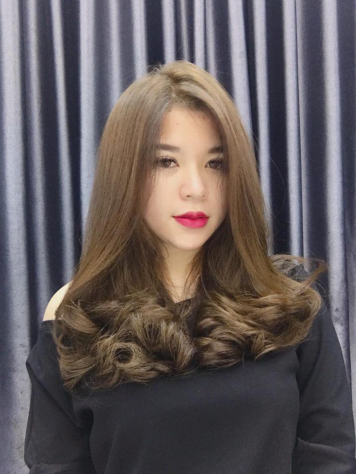 Luôn cập nhật các xu hướng thời trang tóc mới nhất, những kiểu tóc mà Hứa Hair Salon tạo nên bao giờ cũng đem đến sự mới mẻ, độc đáo
