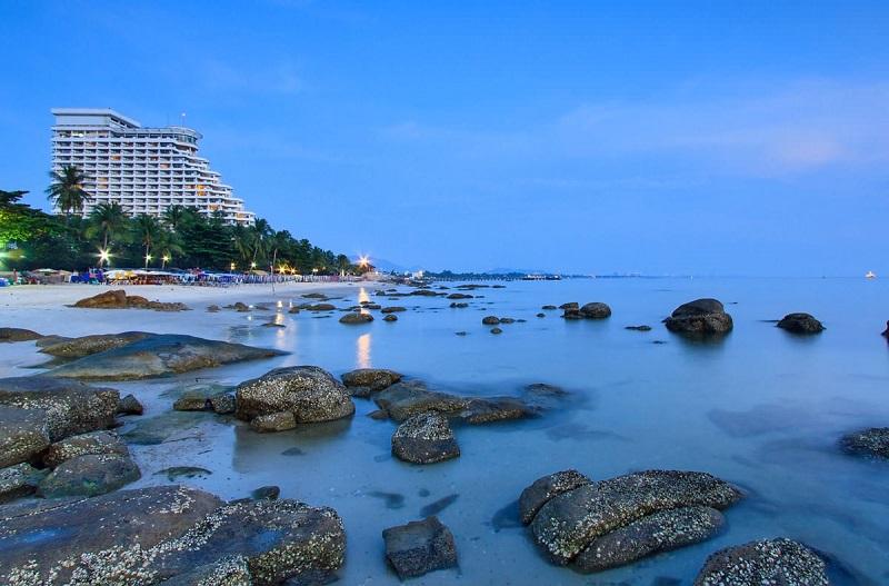 Hua Hin Beach trong buổi chiều tà