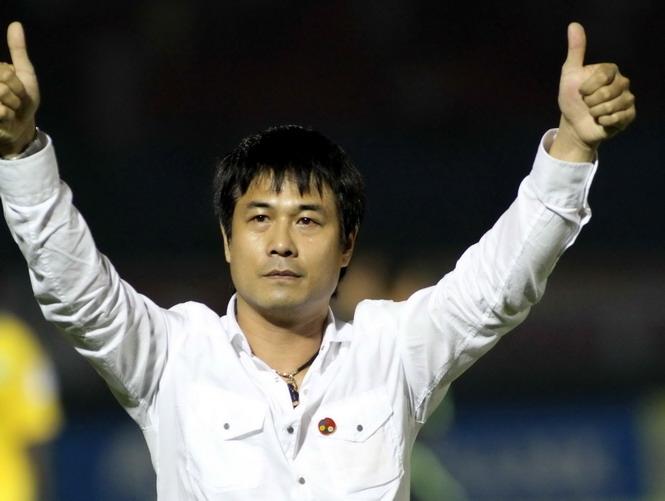 Huấn luyện viên trưởng Nguyễn Hữu Thắng.