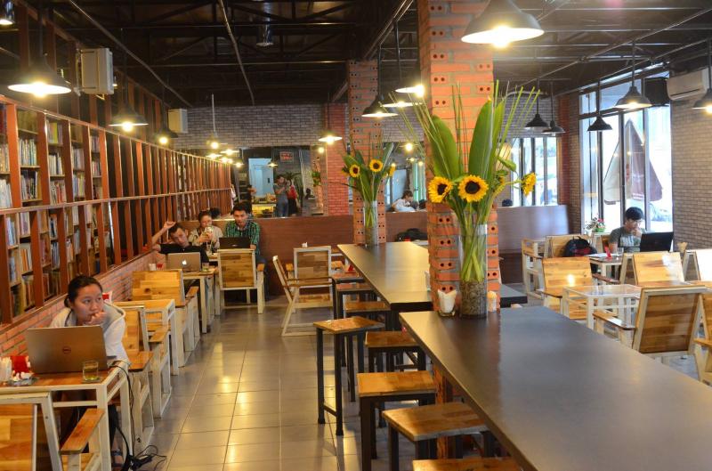 Hub Book Coffee là một quán cà phê sách nổi tiếng tại Sài Gòn