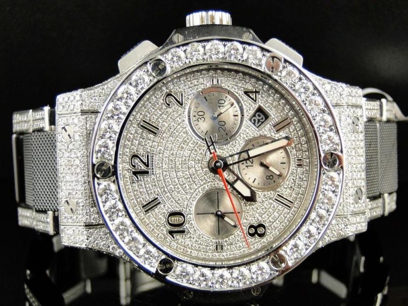 Hublot Diamond được trạm khắc bằng những viên kim cương lấp lánh