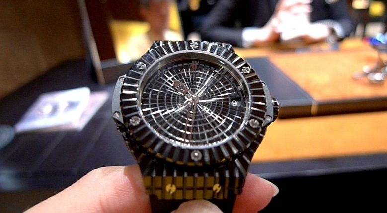 Hublot Black Caviar Bang - Giá: 1,000,000$
