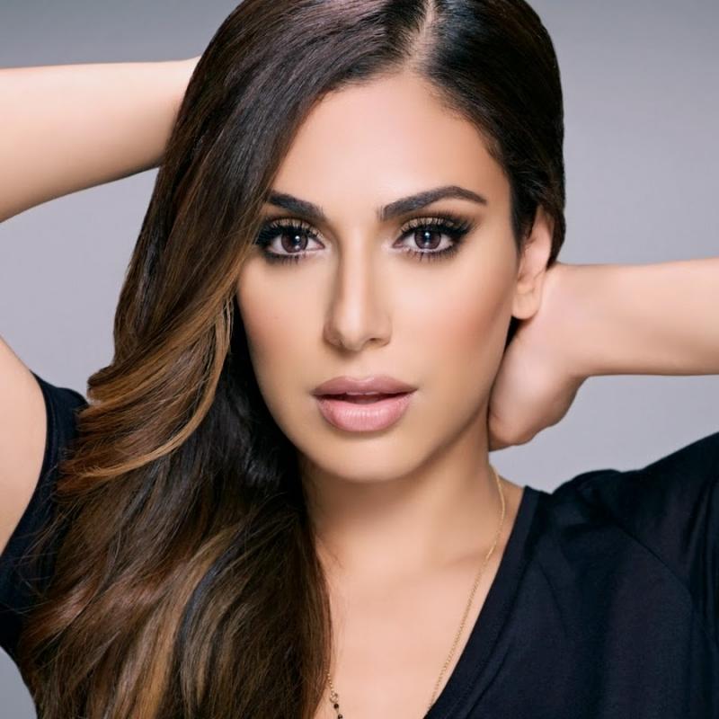 Huda Kattan được mệnh danh là bản sao của Kim Kardashian.
