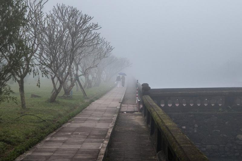 Huế vào mùa sương mù