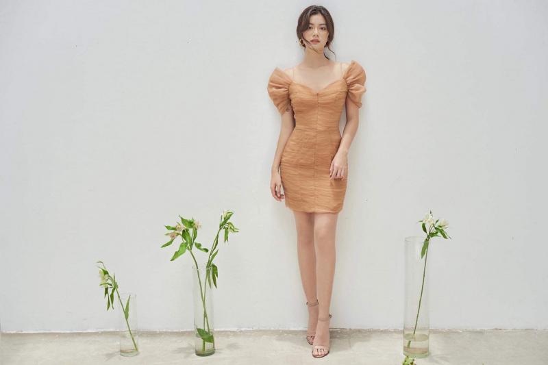 Vẻ đẹp tinh tế của mẫu váy tại Hương boutique