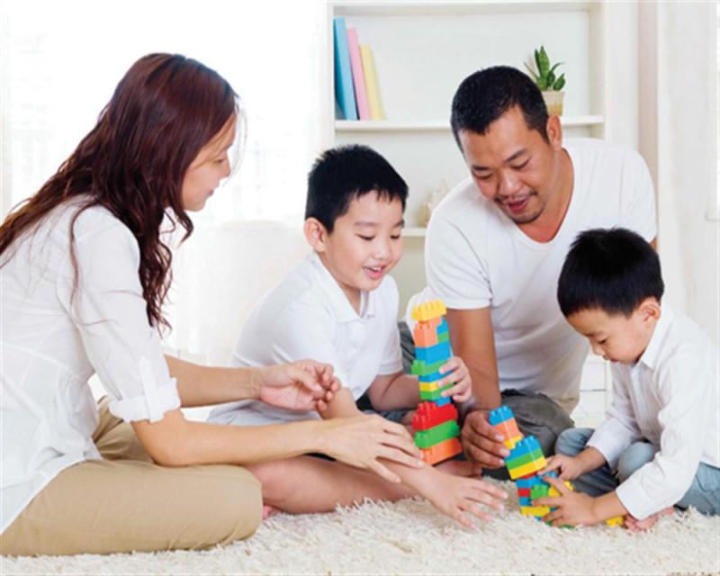 Hướng dẫn trẻ cách chơi và cách làm cụ thể