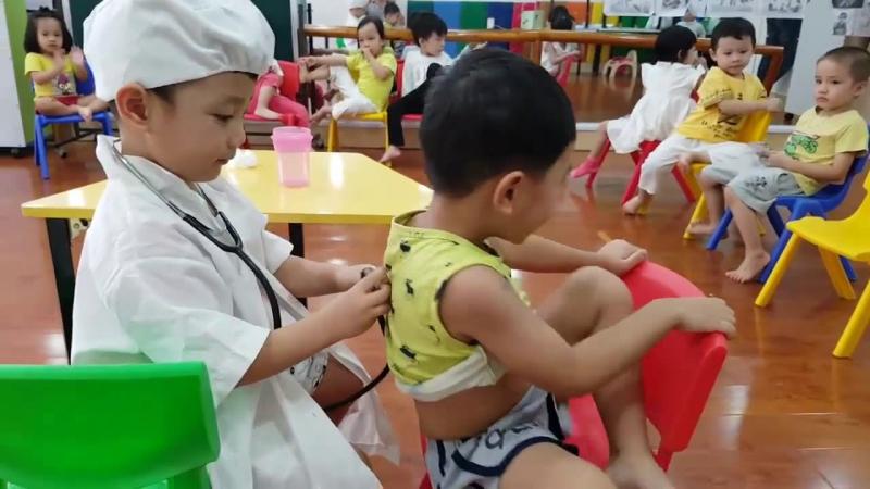 Hướng dẫn trang trí góc bác sỹ