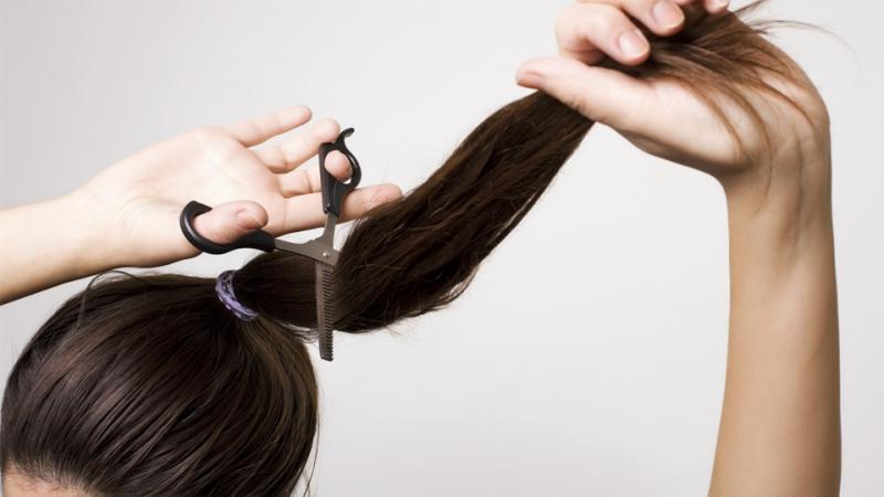 Cắt tóc vào ngày 13