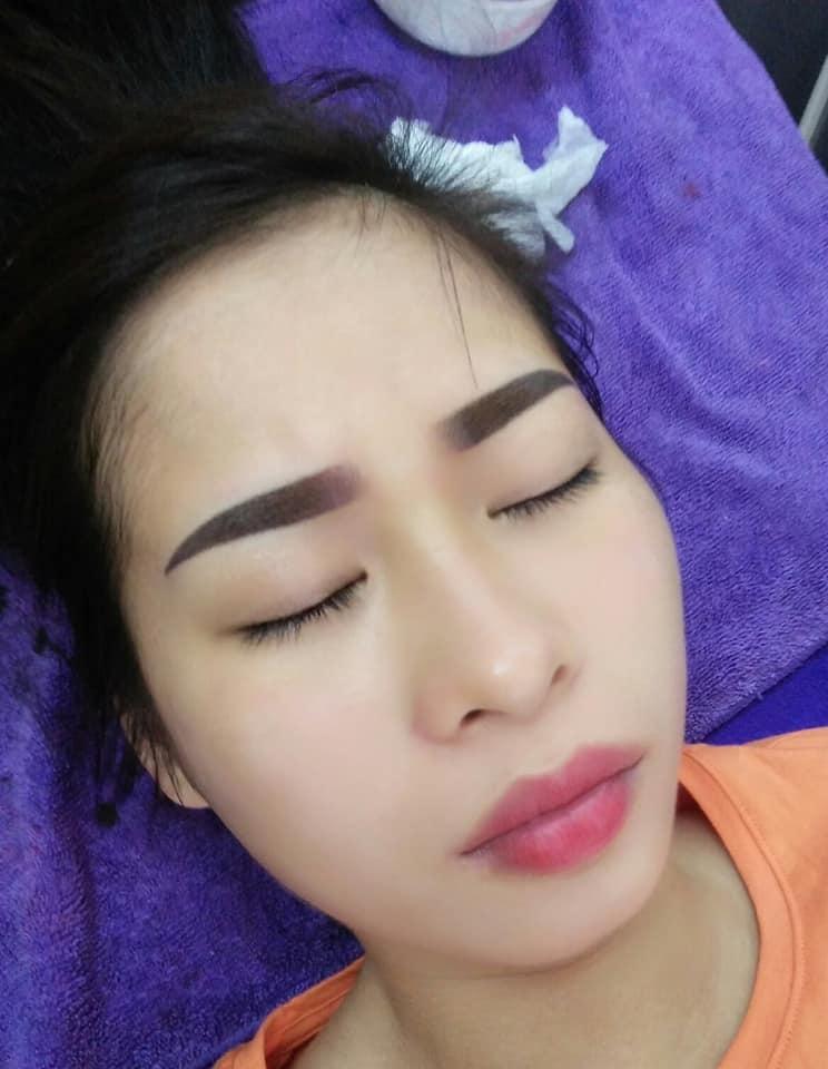Hương Thảo phun xăm