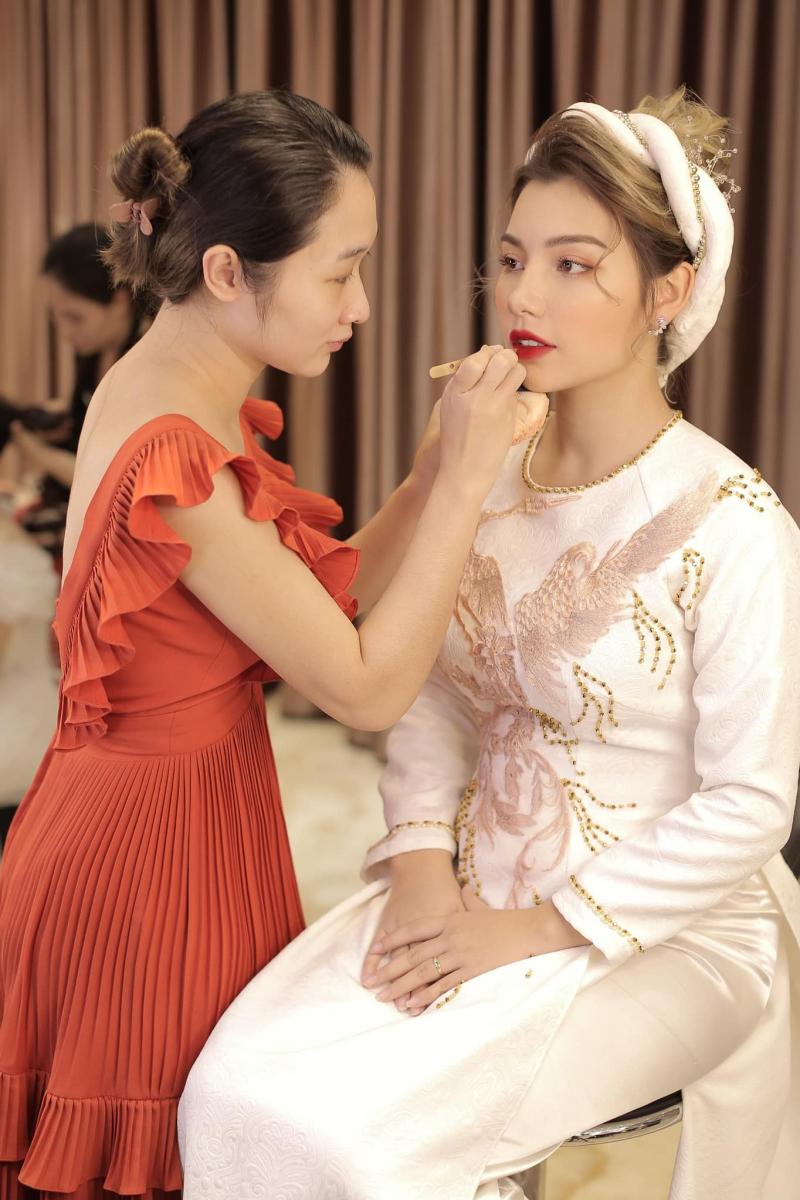 Huong Victoria Makeup & Bridal Limited