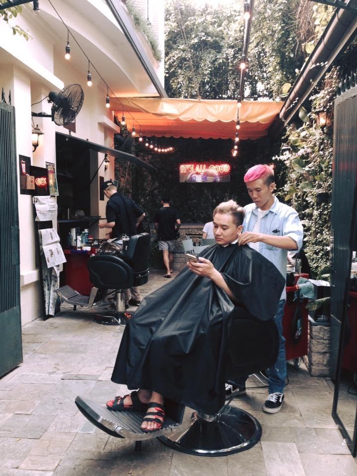 Hurricane Barber Shop thường nhận rất ít khách để đảm bảo chất lượng