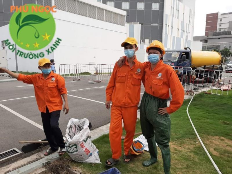Đội thợ Hút Hầm Cầu Phú Ngọc