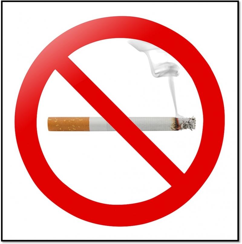 Không hút thuốc cạnh laptop