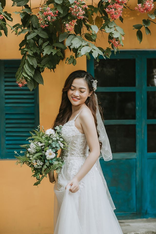 Hý Bridal