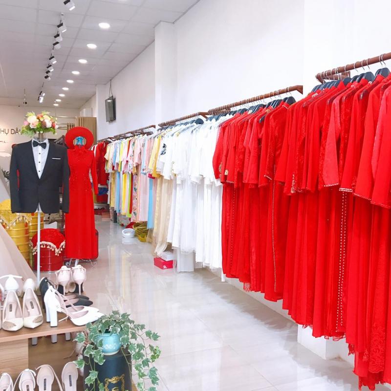 Đa số các mẫu áo dài cưới ở Hyemi đều có màu sắc nhã nhẵn, trẻ trung và tôn dáng
