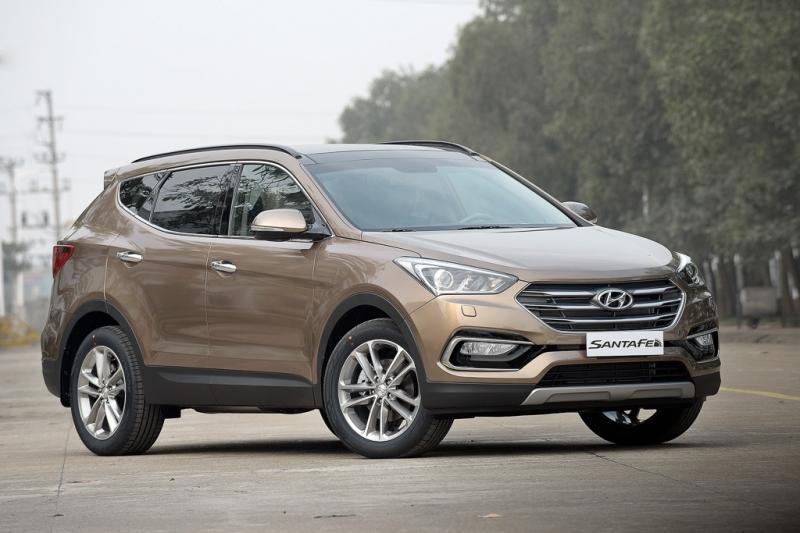 Hyundai SantaFe mẫu xe oto 7 chỗ nổi bật ở thiết kế đẹp cùng nhiều tiện nghi hiện đại